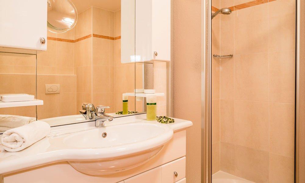 "bathroom-type-""Palme""-(1)"