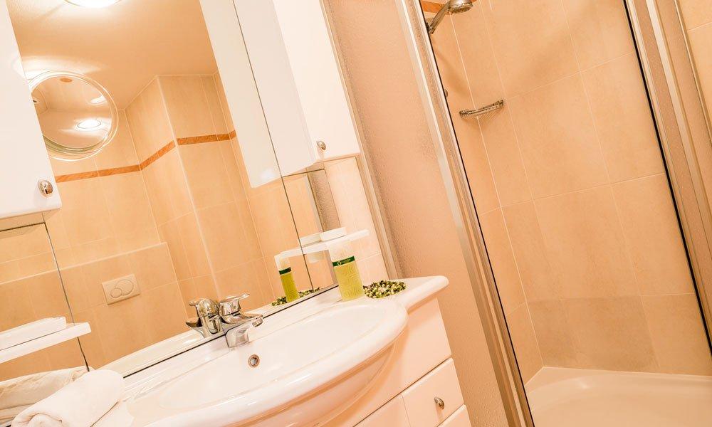 """bathroom-type-""""Brunnenburg"""""""