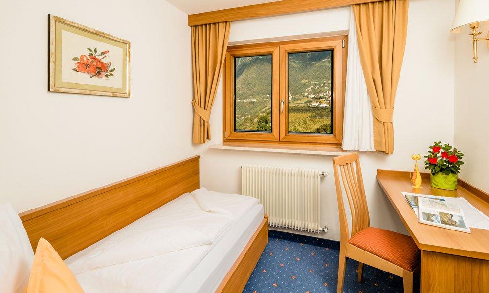 Einbettzimmer-Typ-Schloß-Tirol-Dependance